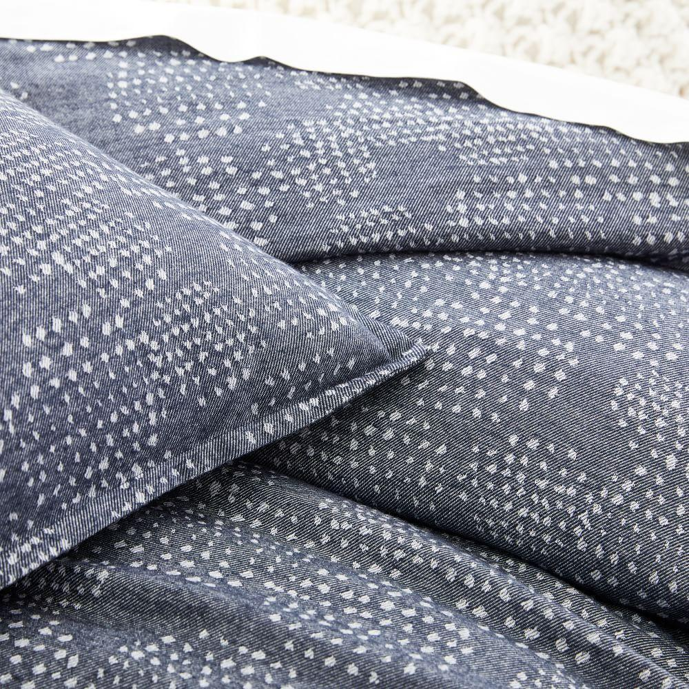 Organic Flannel Dotted Jacquard Duvet Cover + Pillowcases - Midnight