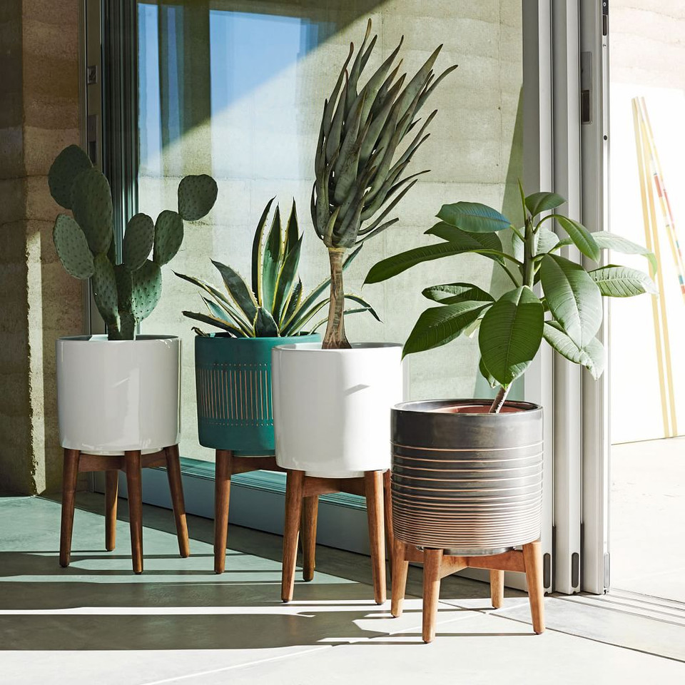 Mid-Century Turned Wood Leg Planter - Solid