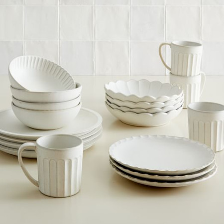 Curated Stoneware Scalloped Dinnerware